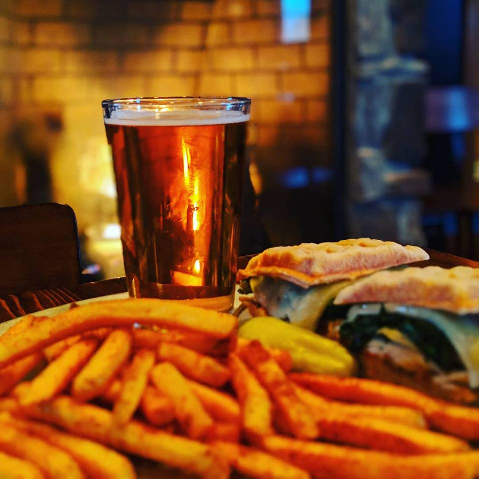 Brewer's Alley, fries, beer, burger