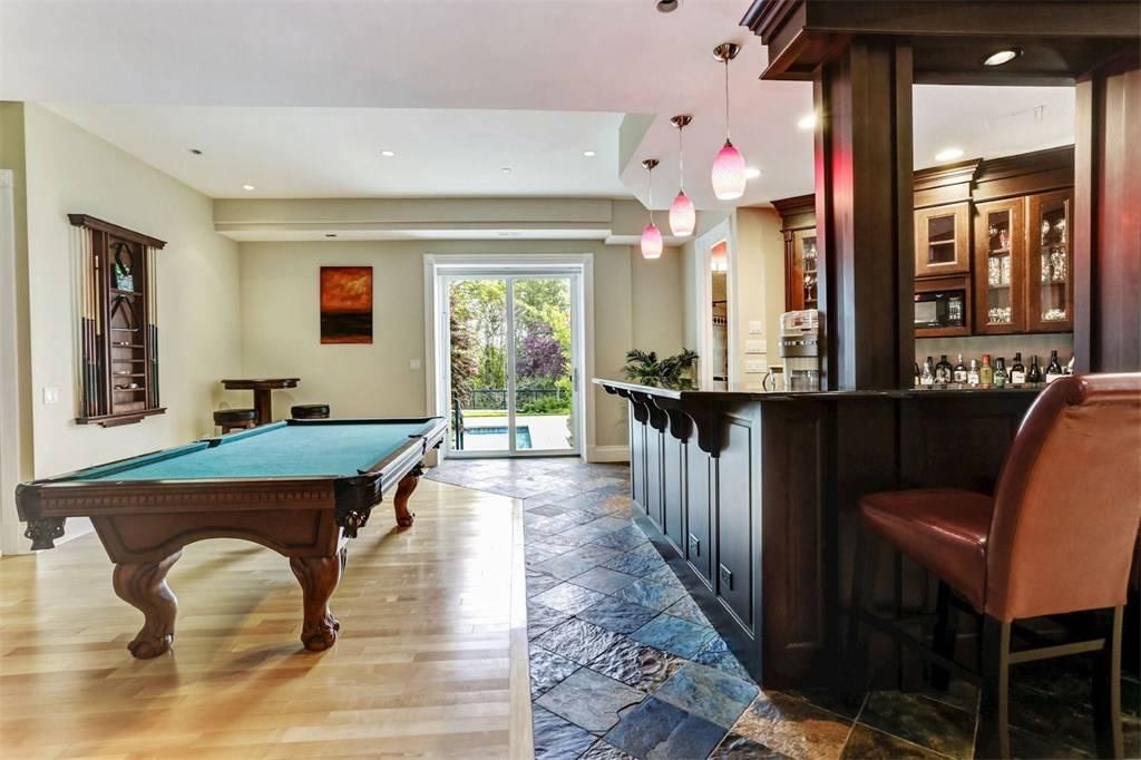 3 Deepwater fun room with pool table