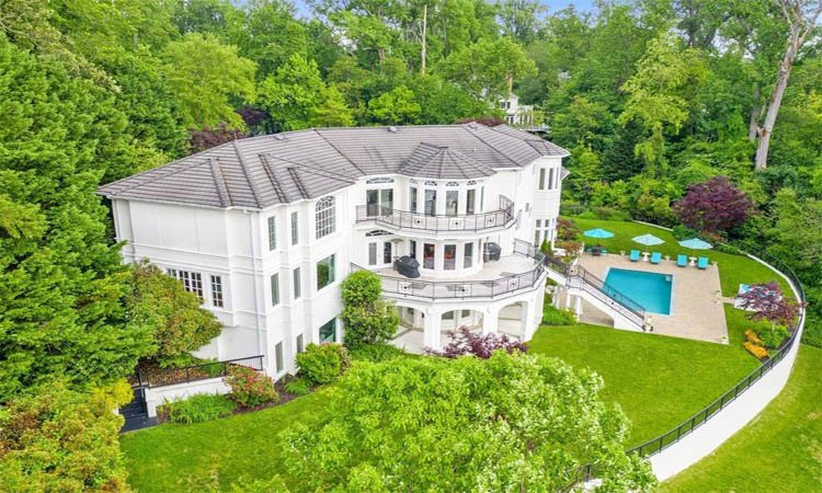 The aerial view of 3 Deepwater Ct.