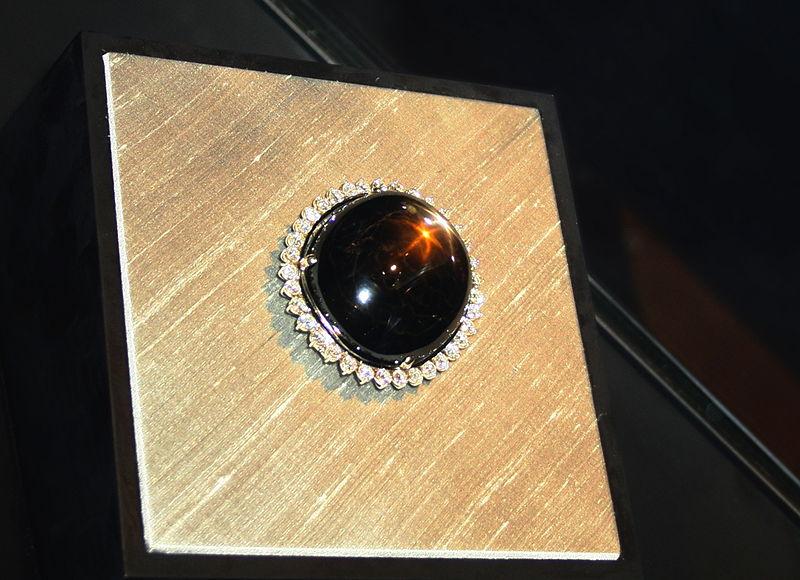 black star sapphire queensland
