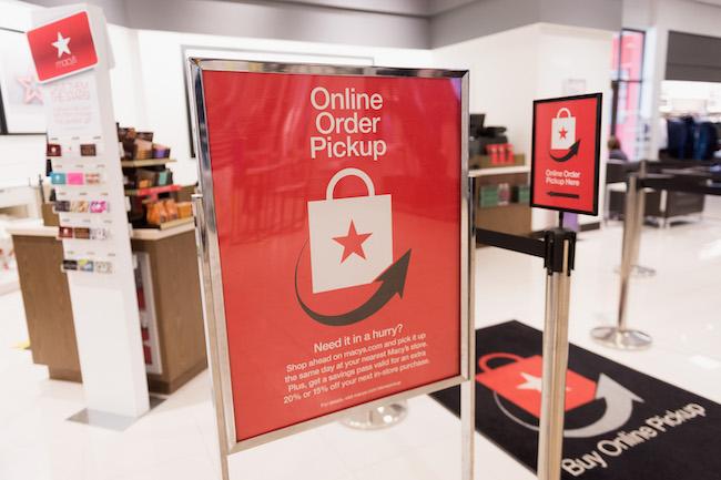 Macy's online order pickup, Oakbrook