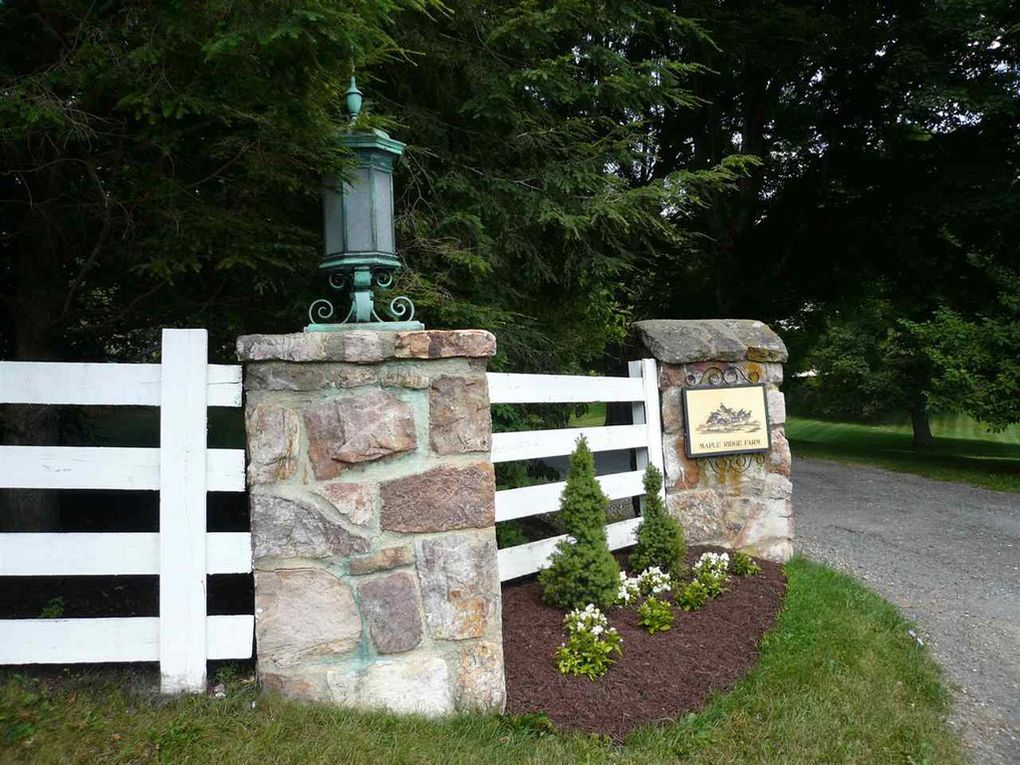 mountain estate, Maple Ridge Lane
