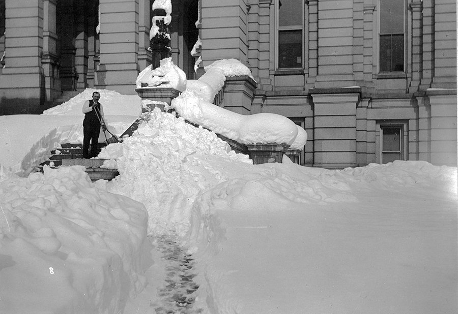 Clearing the State Capitol after the 1913 Blizzard. Courtesy of History Colorado.