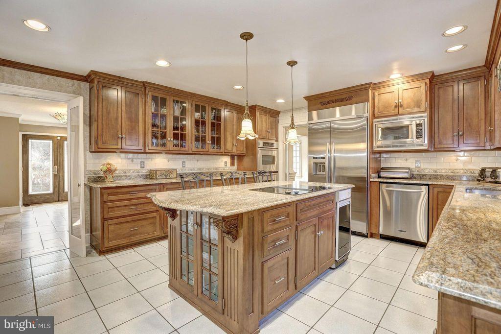 10621 Barn Wood Lane, inRockville, Maryland