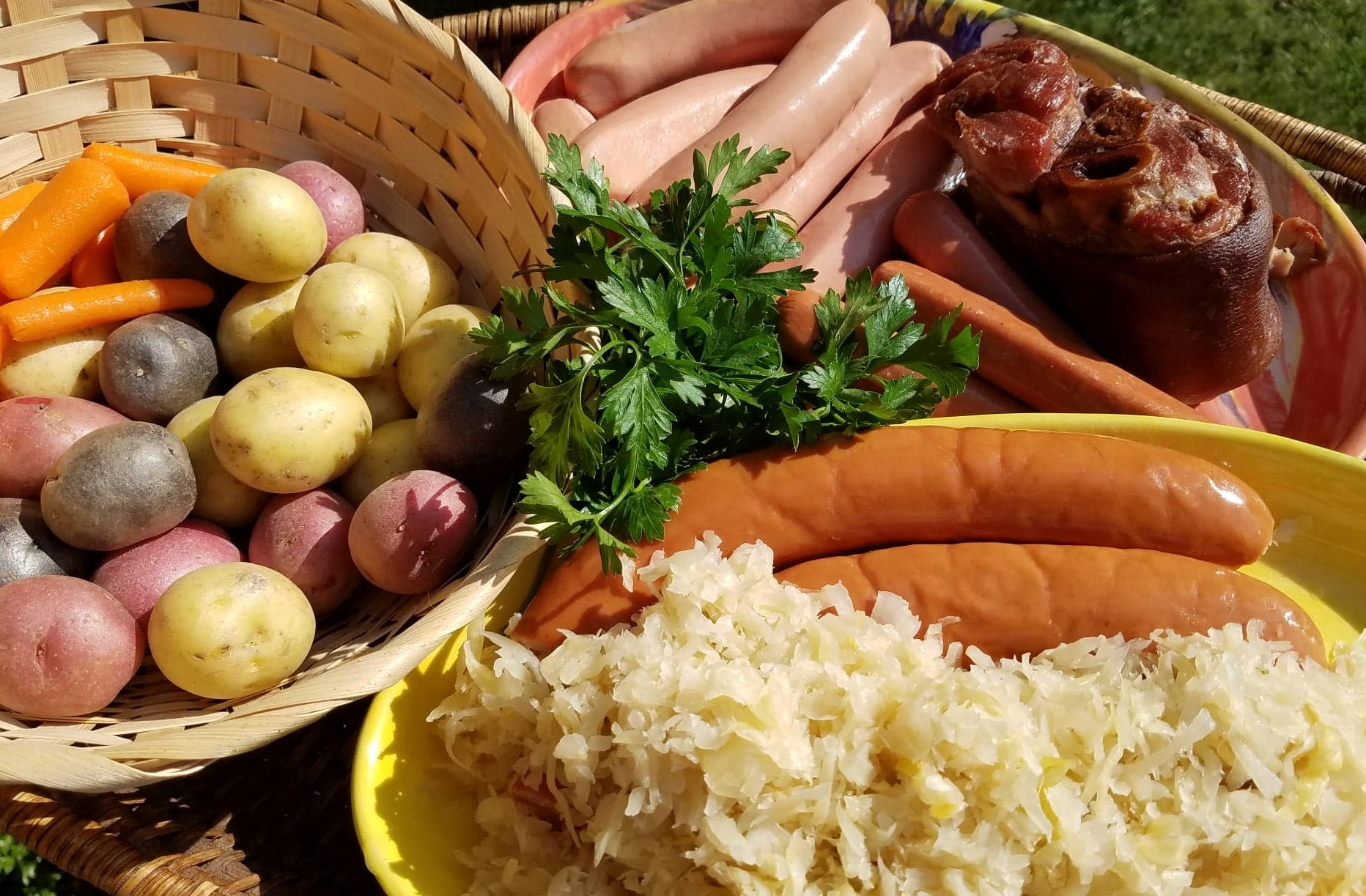 ingredients, choucroute garnie