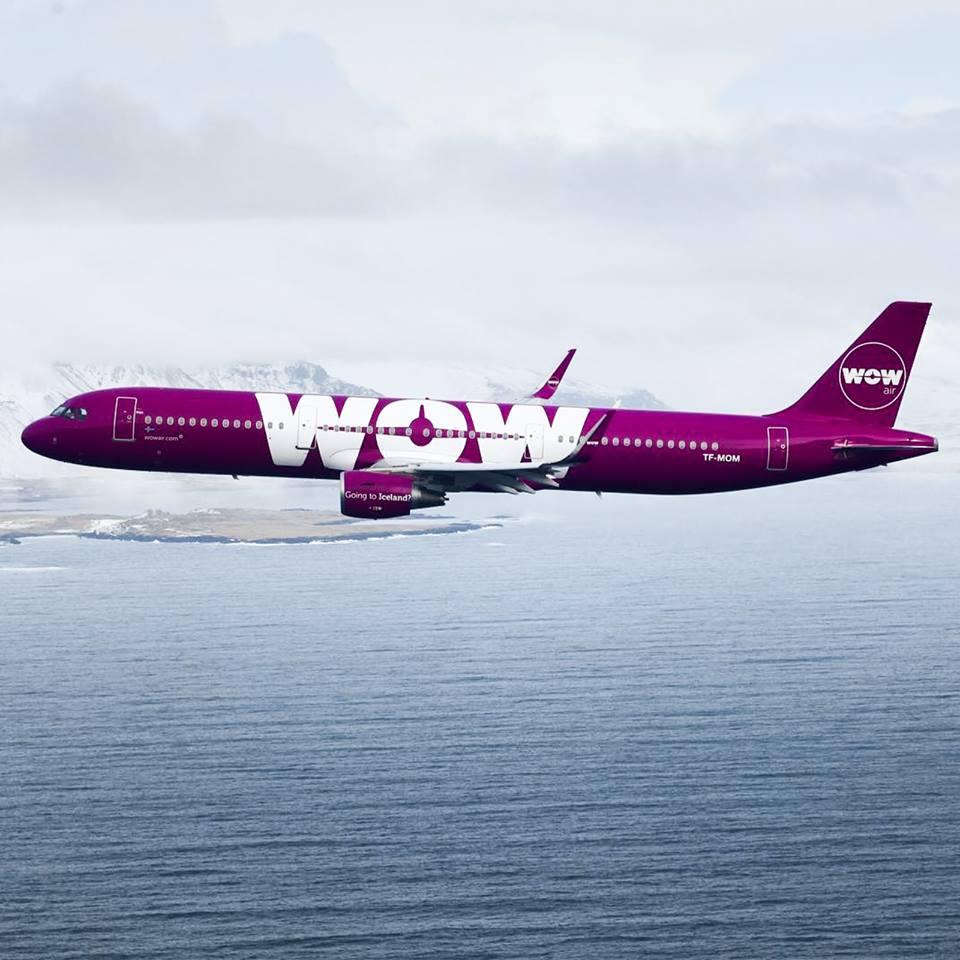 WOW Air, plane