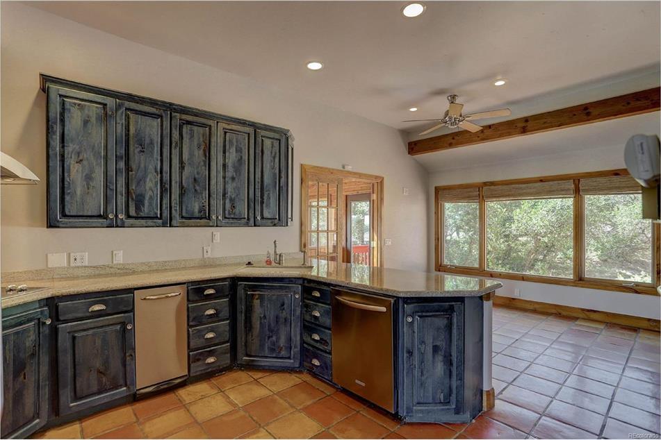Kitchen blue alder wood