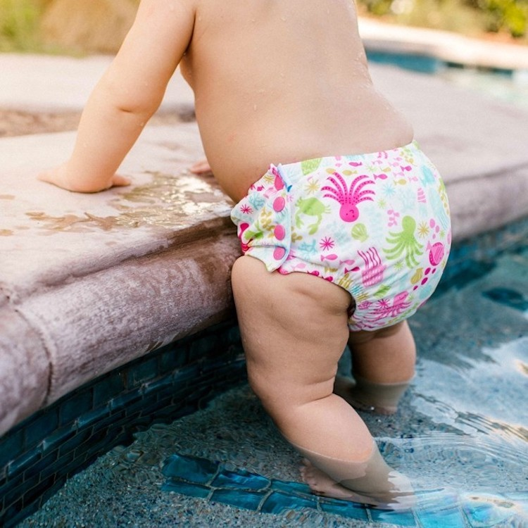 I play swim diaper with snaps