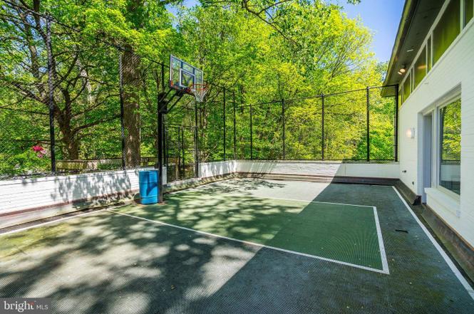 sport court, basketball court