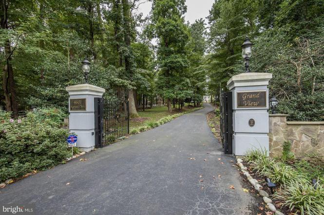 gates, Grand View