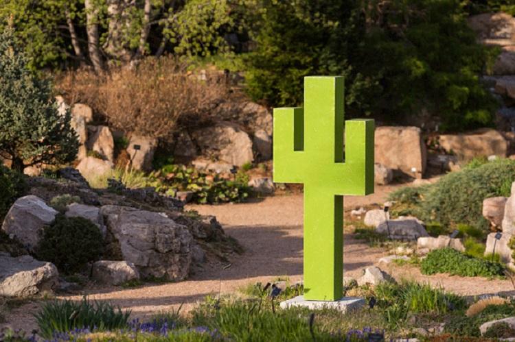 Pixelated exhibit