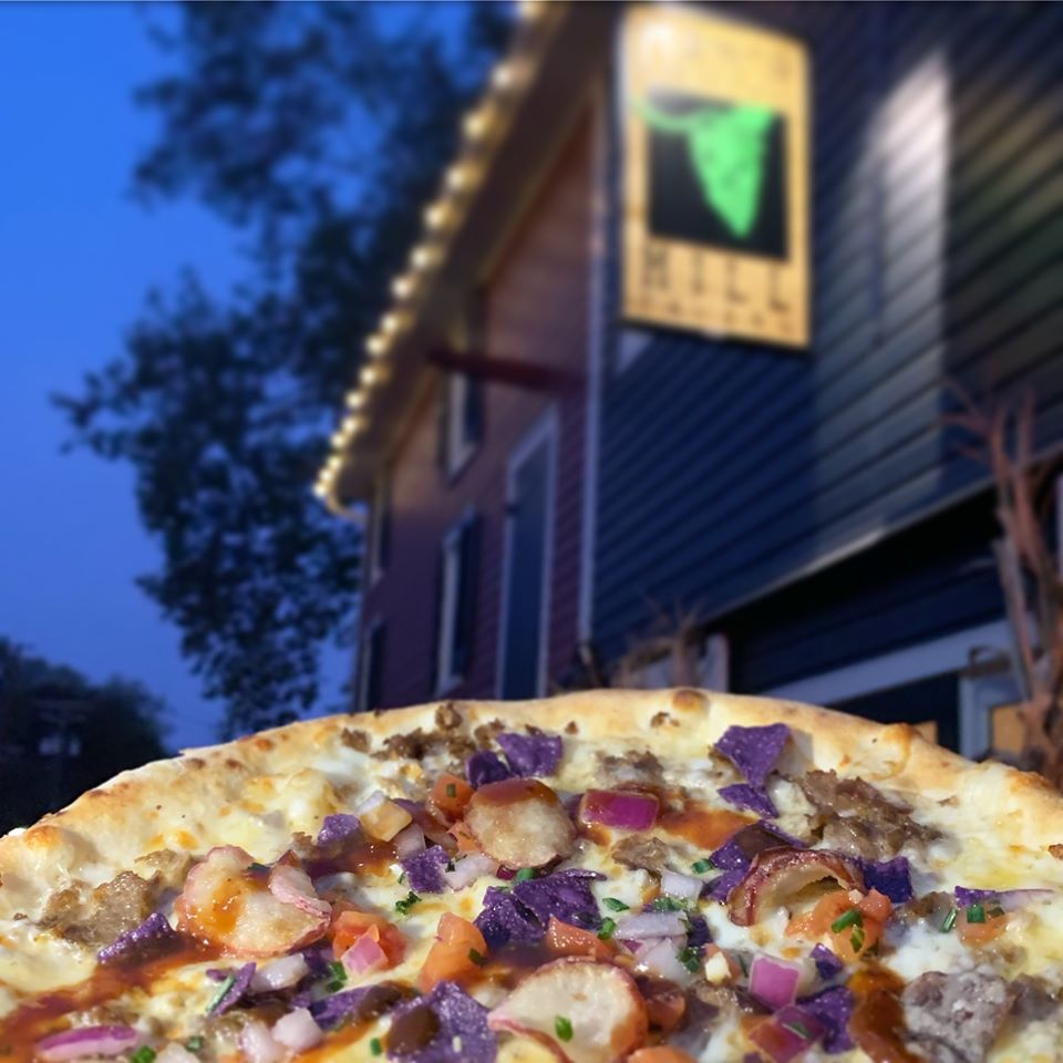 Manor Hill Tavern, pizza