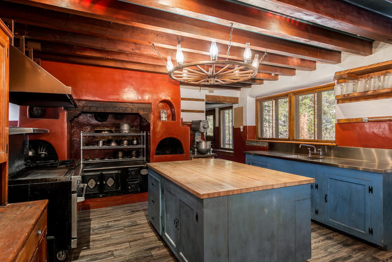Pueblo House kitchen