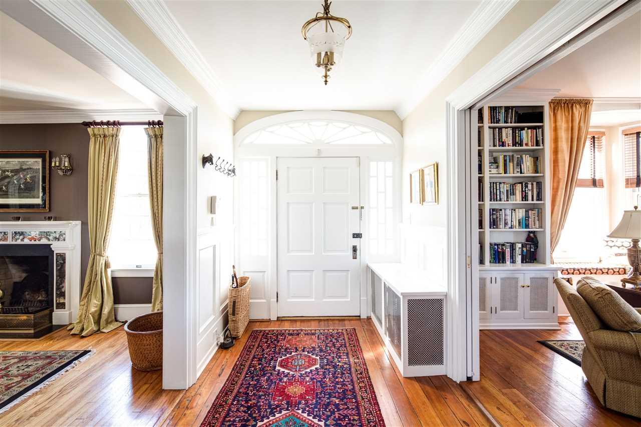 entry, foyer
