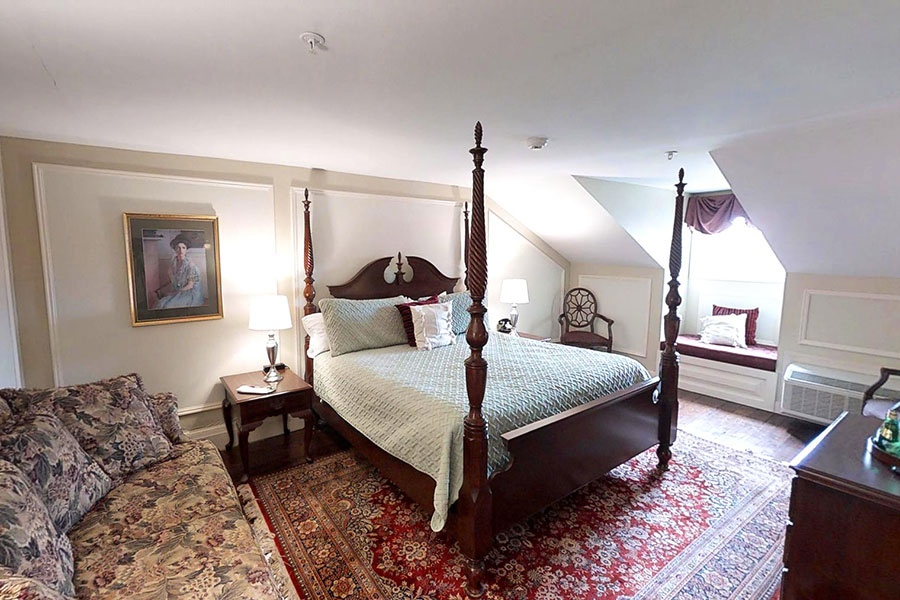 Bedroom at Kent Manor Inn