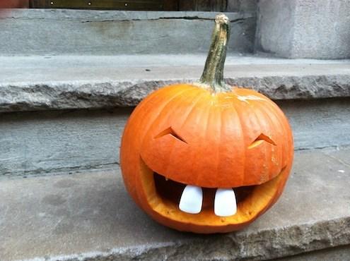 pumpkin with buck teeth