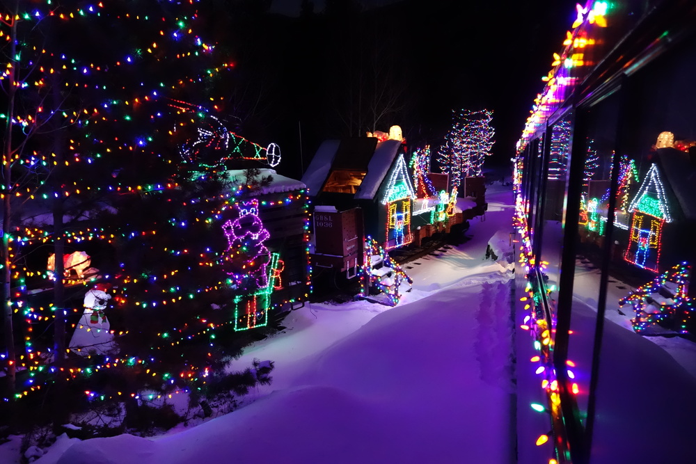 colorado holiday trains, santa's north pole adventure