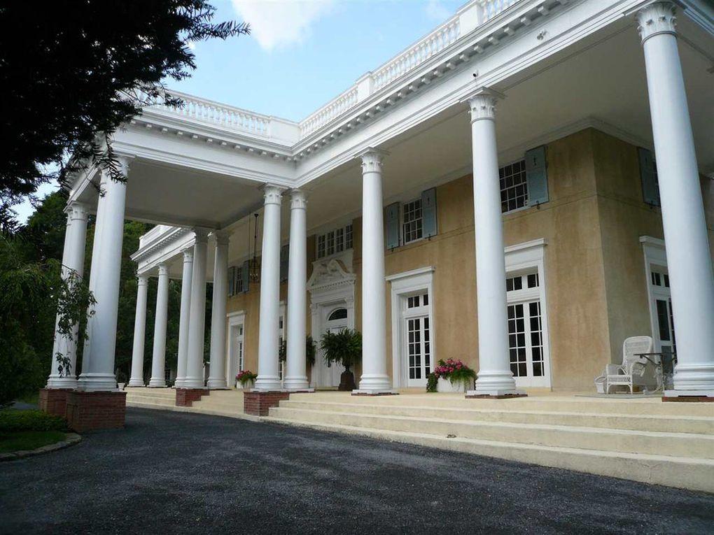 Maple Ridge Lane, columns, Colonial style