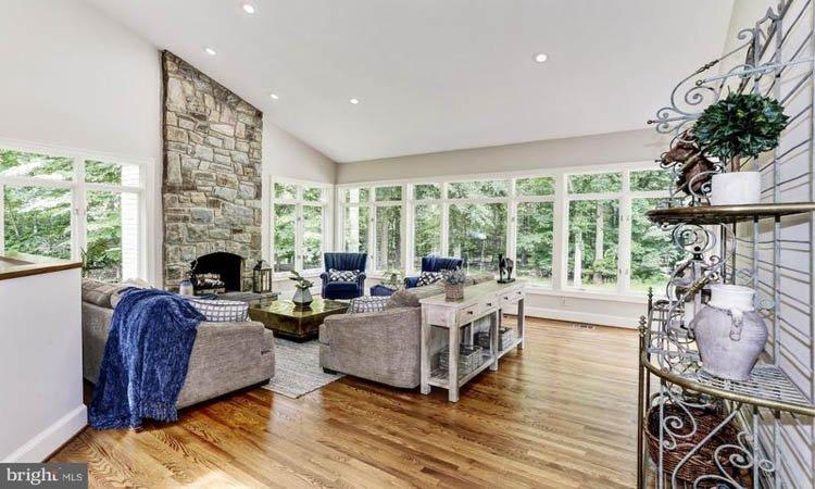 Avenel Living room