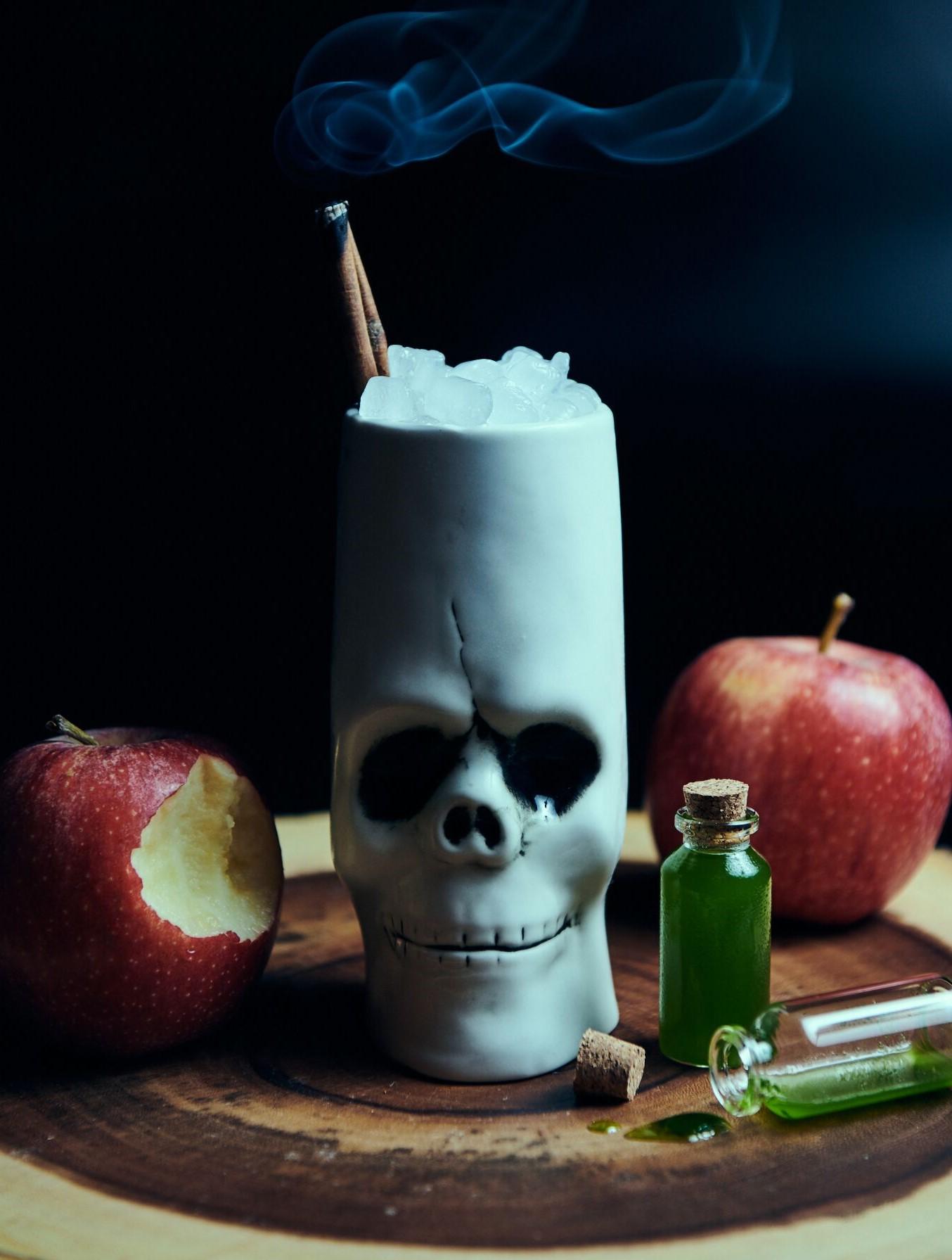 apple cocktail, skull mug