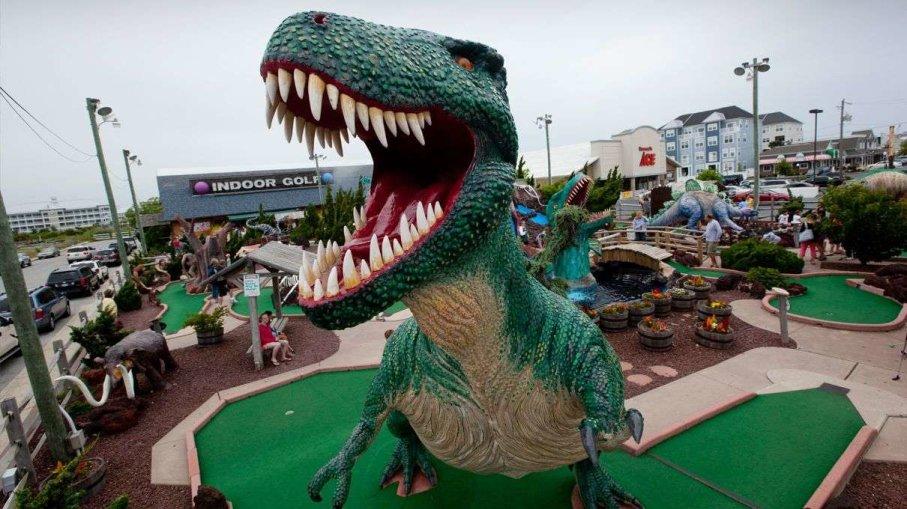 dinosaur at mini golf