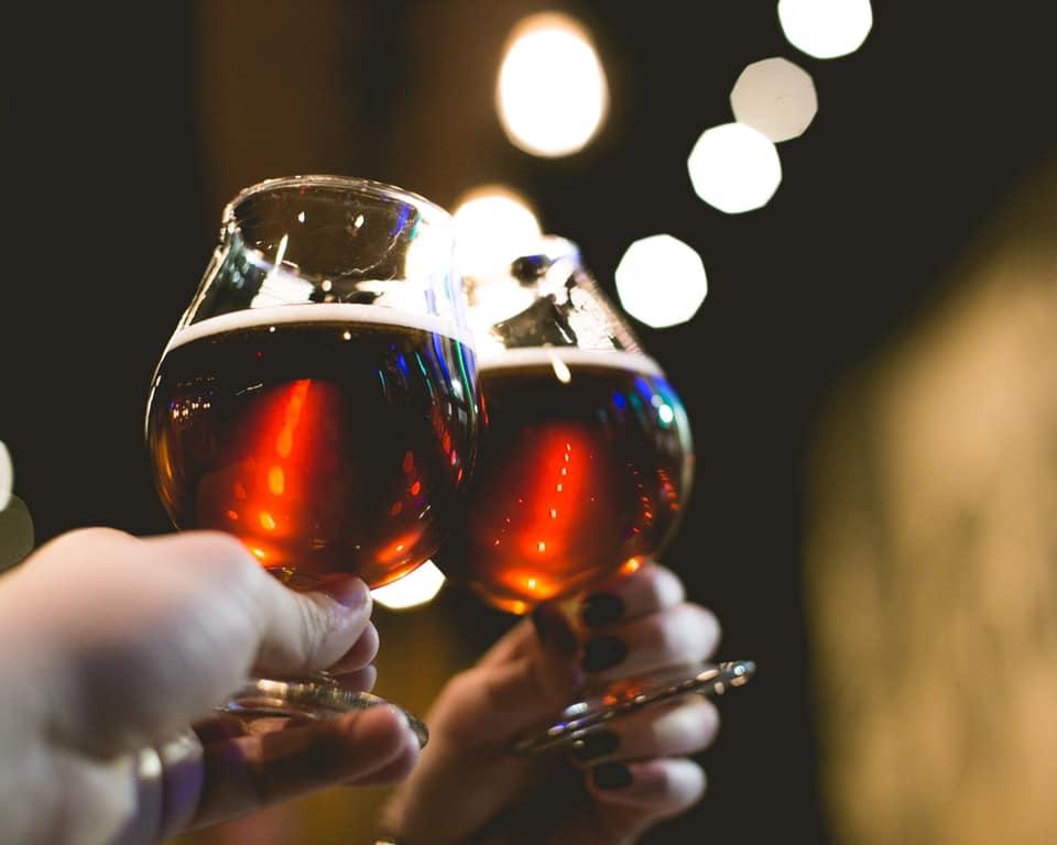 beer, cheers, toasting