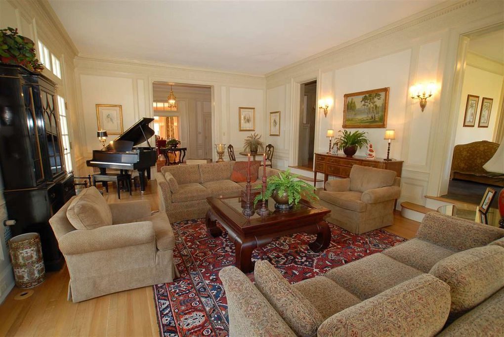 living room, parlor