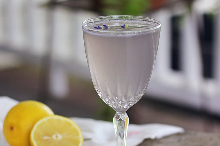 Lemon Lavender Mocktini