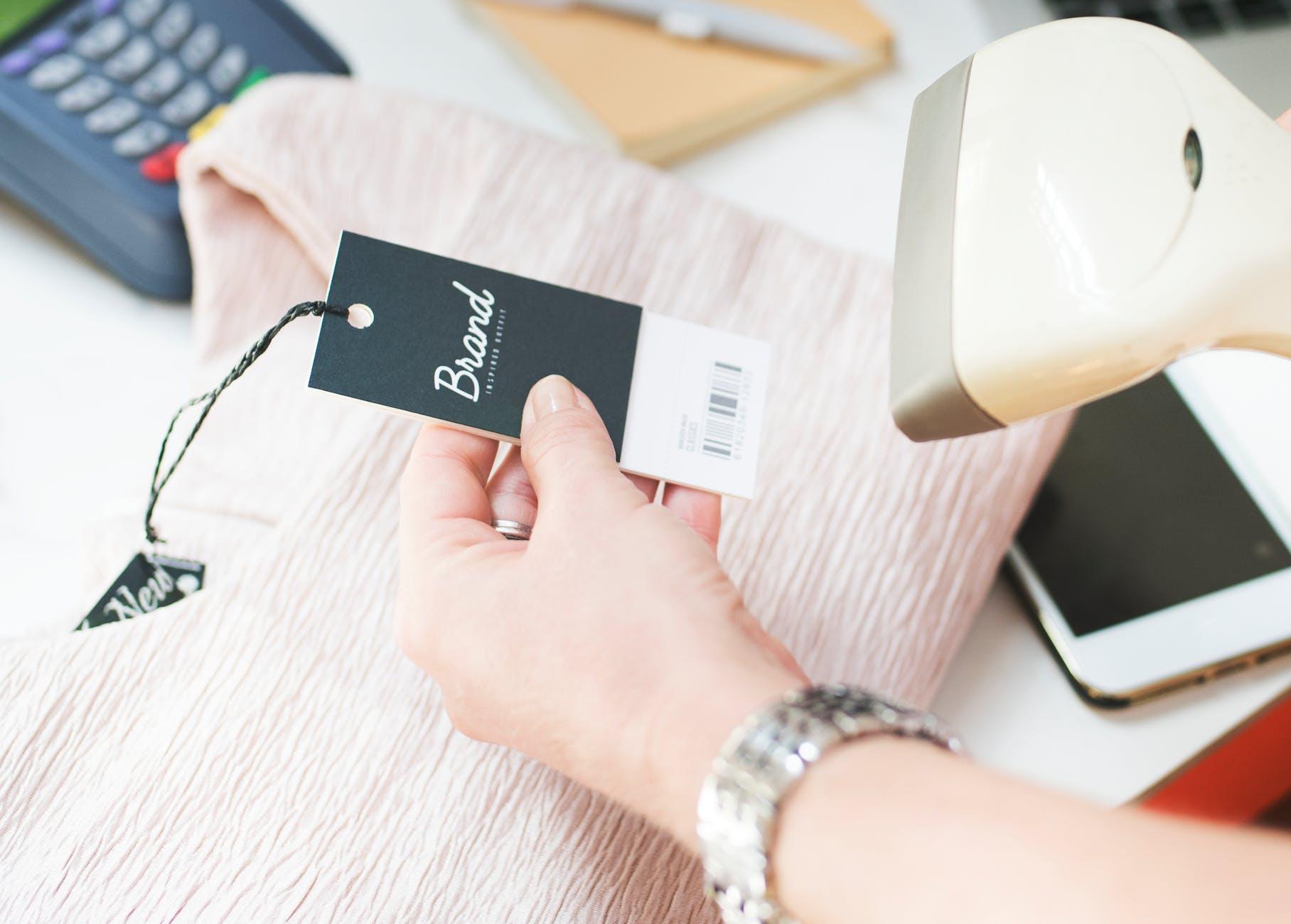cashier, scanning