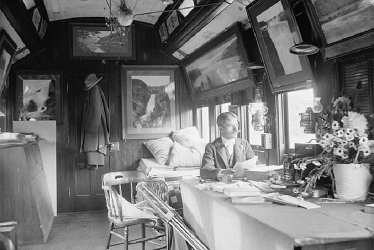 Jackson aboard the Detroit Photographic Co.'s special railroad car, 1902. Library of Congress.